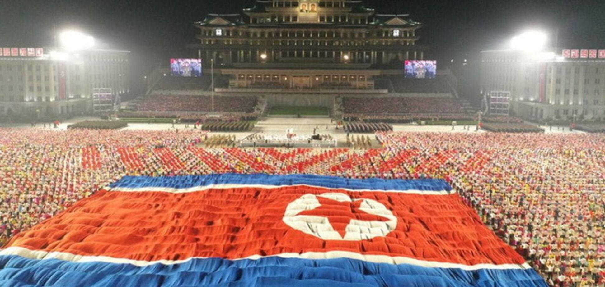 Північна Корея влаштувала нічний парад на 73-тю річницю заснування країни