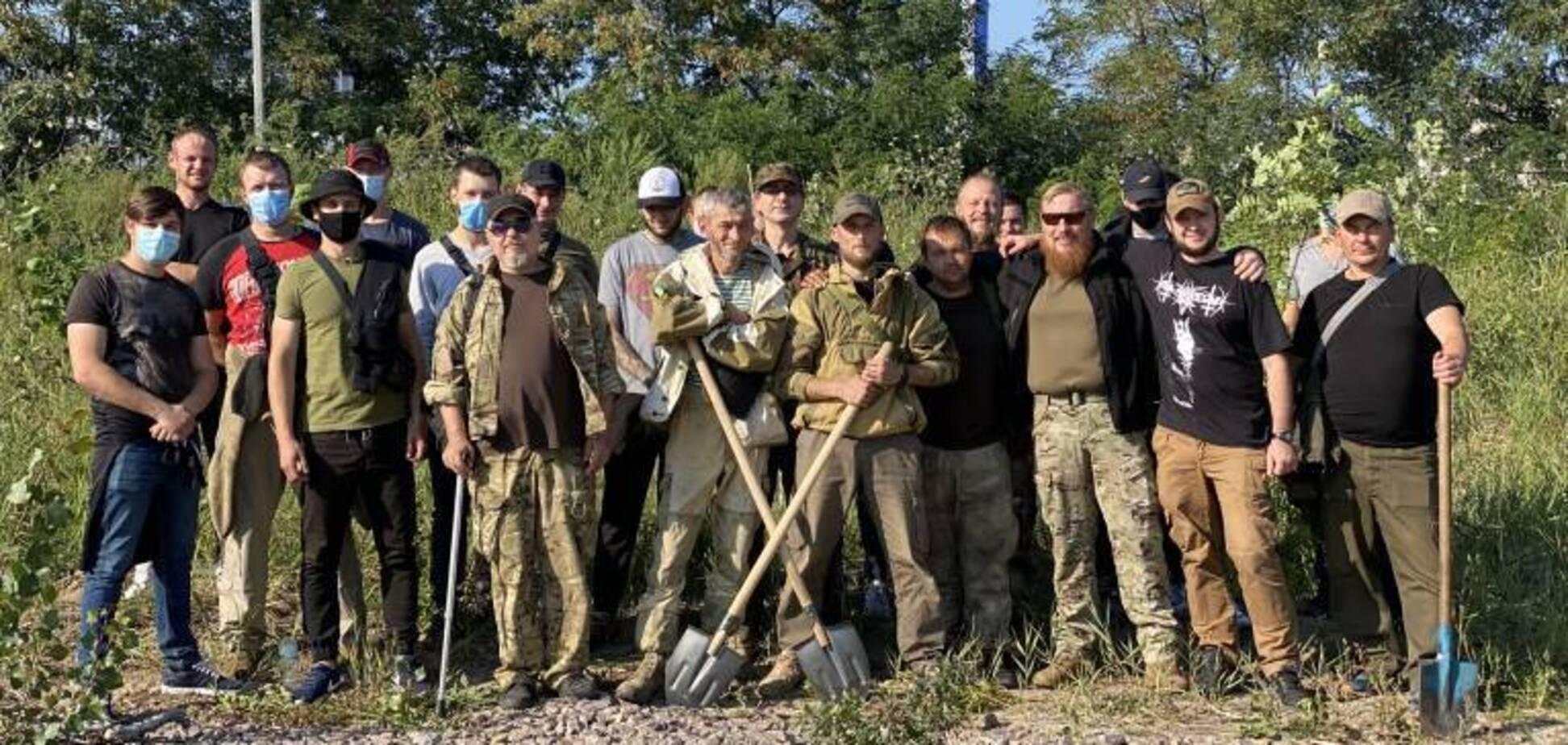 У Києві біля озера Вирлиця знищили дерева, які посадили ветерани АТО. Відео