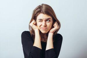 Ощущение заложенности уха